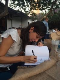 Yo firmando libros Py